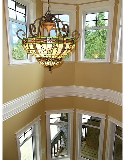 Traditional Staircase by Jil Sonia Interiors