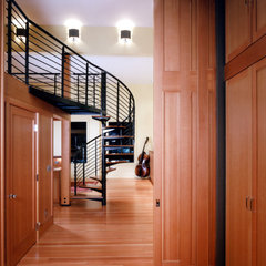 contemporary staircase by BAAN design