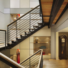 modern staircase by Hanson General Contracting, Inc.