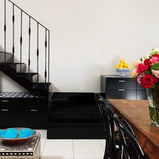 Eclectic Staircase by Scott Weston Architecture Design PL