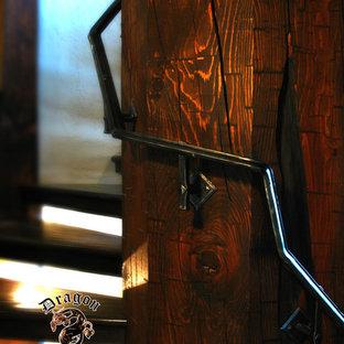 Modelo de escalera recta, rústica, pequeña, con escalones de madera