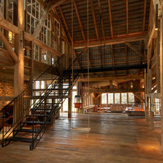Rustic Hall by Lancaster County Timber Frames, Inc.