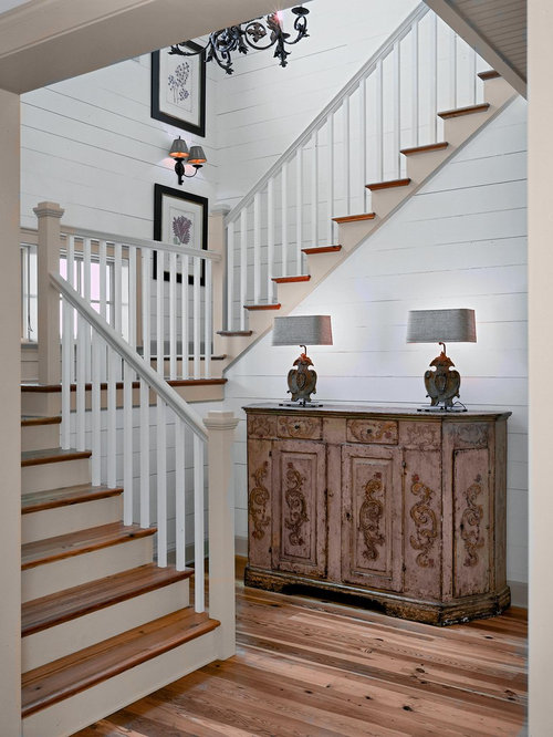 5,705 Rustic Staircase Design Ideas & Remodel Pictures