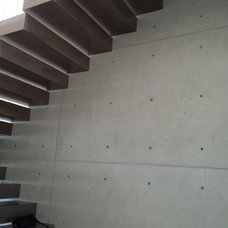 Contemporary Staircase by Microfloor