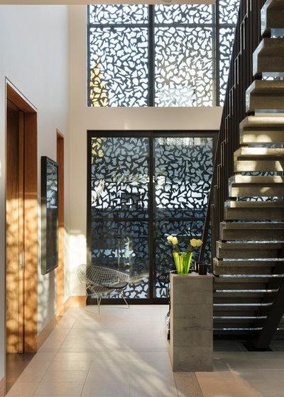 Modern Staircase by PRau - Phil Redmond Architecture & Urbanism