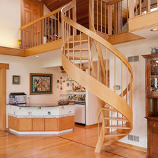 Traditional Staircase by Joseph I. Mycyk Architects, Inc.