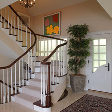 Traditional Staircase by jka architect