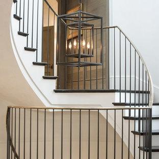 Idée de décoration pour un escalier style shabby chic.