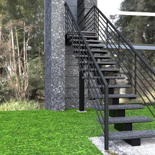 Idéer för små funkis raka trappor i kalk, med öppna sättsteg och räcke i metall