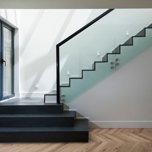 Staircase - scandinavian staircase idea in Los Angeles