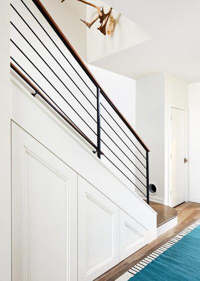 Modern Staircase by Studio Miel