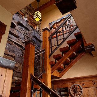 Modelo de escalera curva rústica