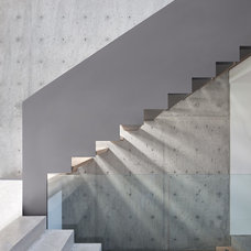 Modern Staircase by splyce design