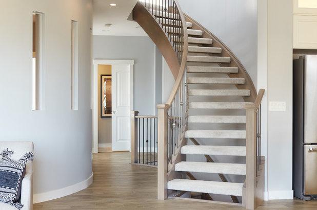 コンテンポラリー 階段 by Coventry Homes Inc