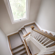 Contemporary Staircase by Cardea Building Co.