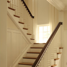 Traditional Staircase by Good Architecture, PC