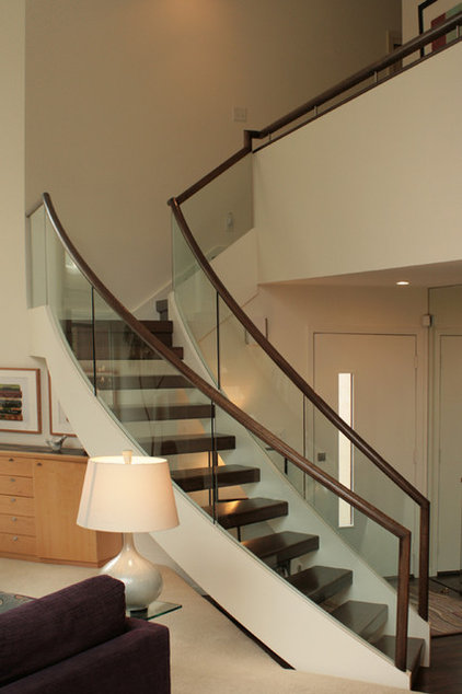 Contemporary Staircase by RDM Architecture