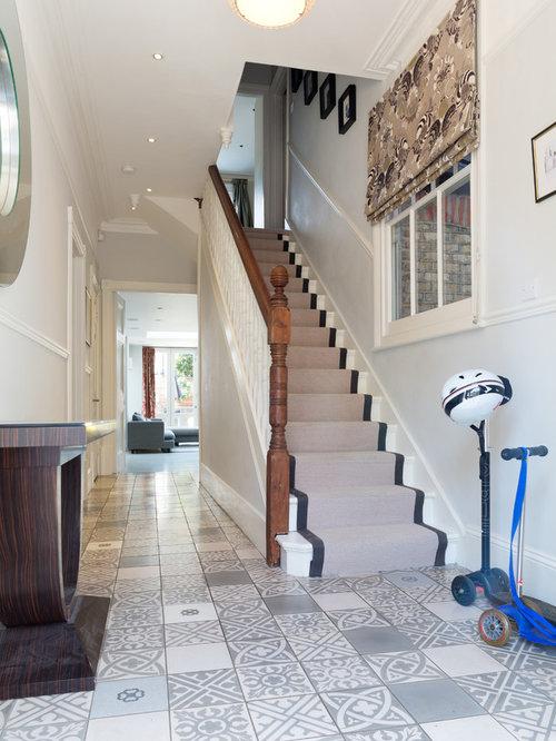 gerade treppen mit teppich setzstufen ideen f r. Black Bedroom Furniture Sets. Home Design Ideas