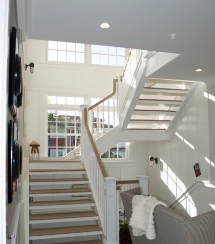 Beach Style Floating Staircase Design Ideas Renovations
