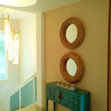 Beach Style Staircase by Amelia Luis Diseno