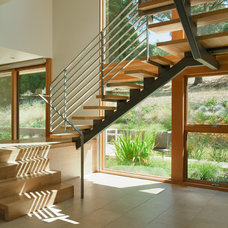 Modern Staircase by Swatt | Miers Architects