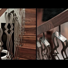 Contemporary Staircase by Entreprise SLIK inc.