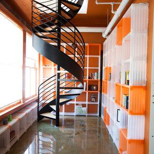 Modelo de escalera de caracol, urbana, sin contrahuella, con escalones de madera