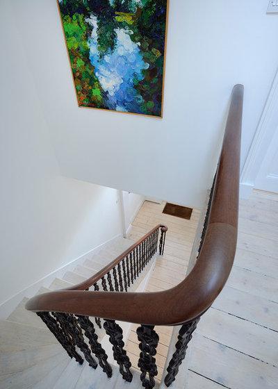 Skandinavisch Treppen by Brown + Brown Architects