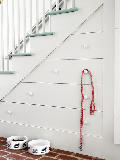 Traditional Staircase by Insidesign