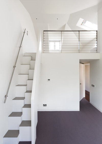 Contemporary Staircase by Gregory Phillips Architects