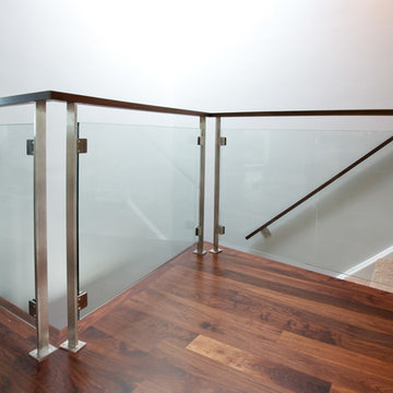 STAINLESS & TEMPERED GLASS RAILINGS