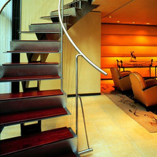 Modern Staircase by ASAP•house Inc - Studio Kiss