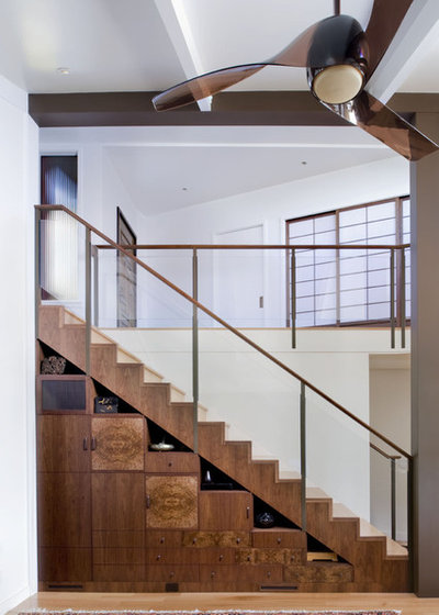 Contemporary Staircase by Camber Construction