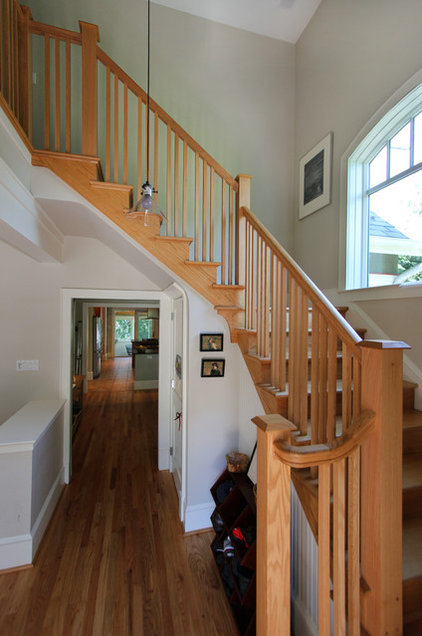 Craftsman Staircase by Bennett Frank McCarthy Architects, Inc.