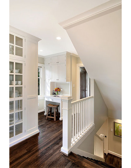 traditional staircase by Logan's Hammer Building & Renovation