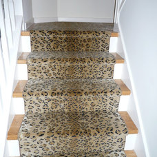Contemporary Staircase by Personal Impressions