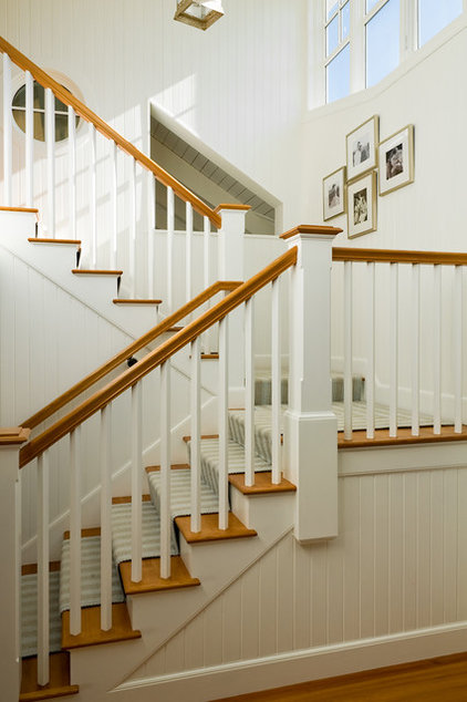 Beach Style Staircase by Whitten Architects