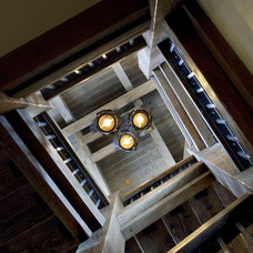 Traditional Staircase by Centre Sky Architecture Ltd