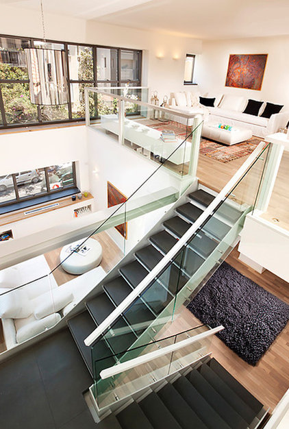 Contemporary Staircase by Elad Gonen