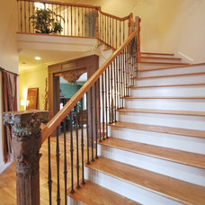 Traditional Staircase by Green House Renovation Atlanta, LLC