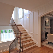 Traditional Staircase by GTM Architects