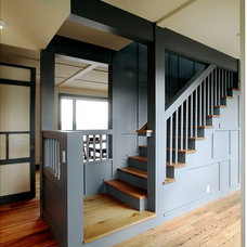 Contemporary Staircase by Leo J. Blackman Architects