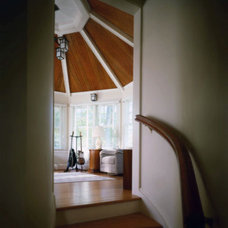Traditional Staircase by John James Architect, AIA