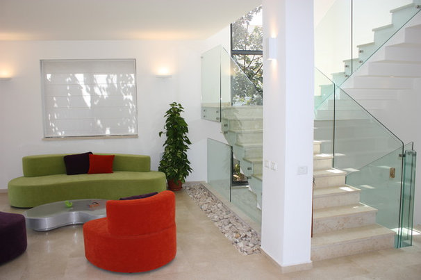 Modern Staircase by Michal Yiftah Rotem, MYR Architecture