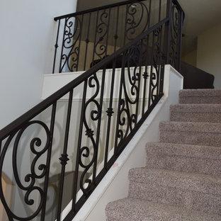 Idéer för stora medelhavsstil svängda trappor i metall, med sättsteg i metall