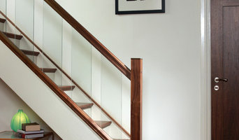 Staircase renovation: from traditional to modern and exclusive