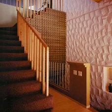 Modern Staircase by Glenn Robert Lym Architect