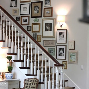 Superbe Staircase Wall Decorating Ideas | Houzz