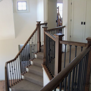 Staircase with border balcony