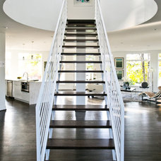 Contemporary Staircase by Elemental Metalworks